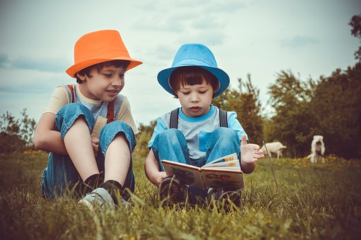 encourage children to read young children reading books